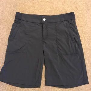Athleta Sz 10 Dark Gray Walking Shorts